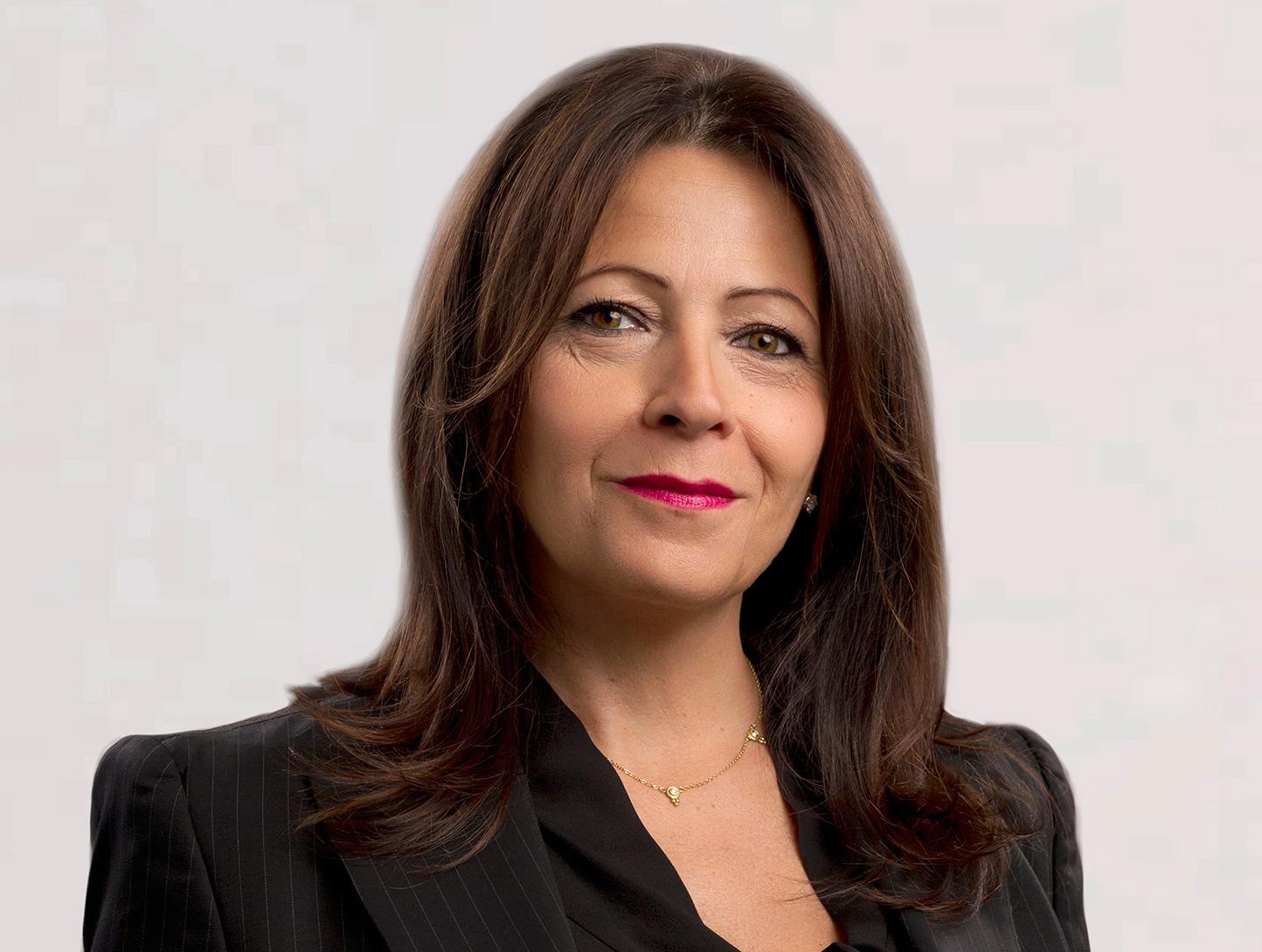 Donna Massanova Headshot