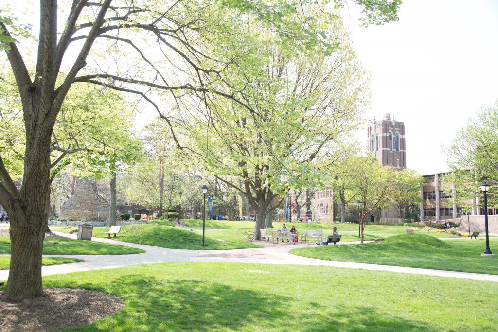 college hall quad_4_21_17-5712