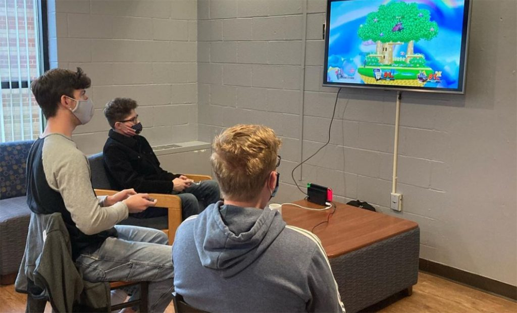 La Salle University students gathered for a virtual gaming session.