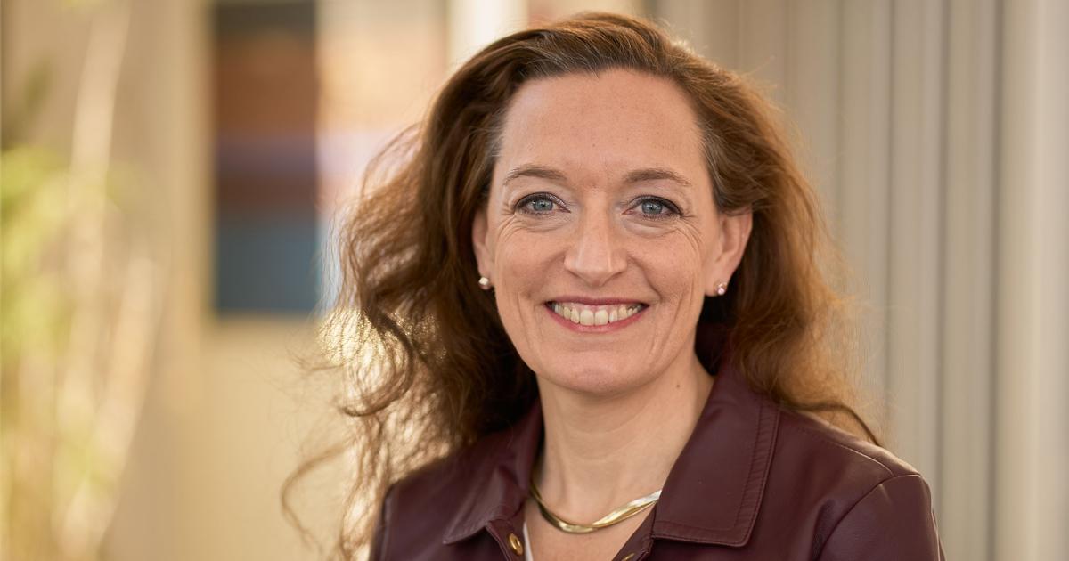 Image of La Salle University professor Meredith KneavelMeredith
