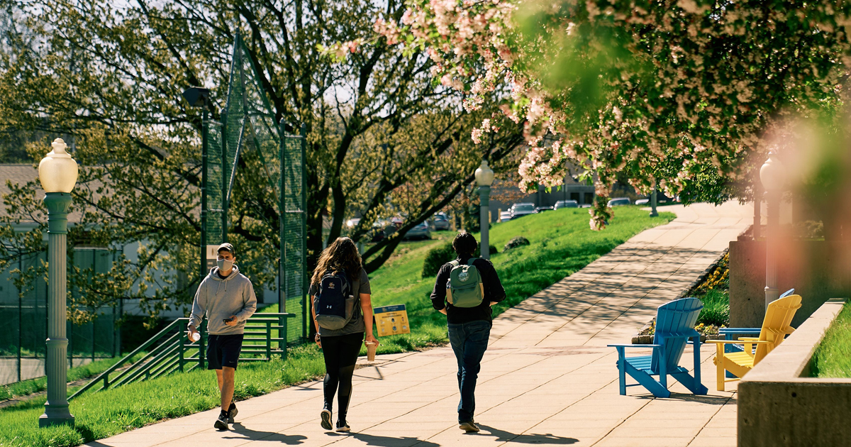 Image of students walking n the campus of La Salle University.