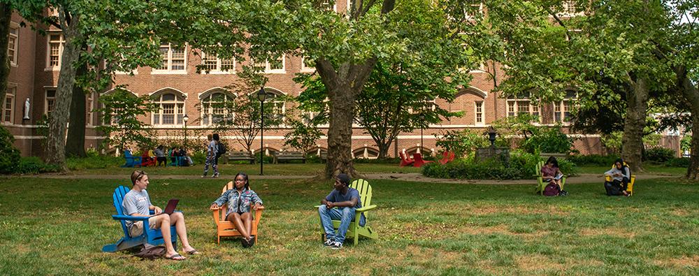 Students on the Hansen Quad