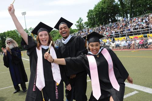 undergraduate-commencement-2017_05_21_KM2022-w-500i